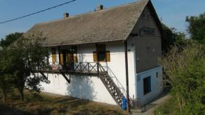 Planinarski dom u Kupusini (foto : Ljubomir Subotić)