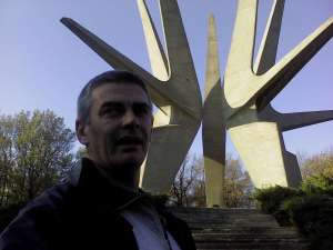 Spomenik Kosmajskom partizanskom odredu