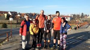 Pre starta sa Šašavim ultrašima i ekipom Pass Mater. Valjda najpozitivniji učesnici lige. (foto Marina Nikolić)