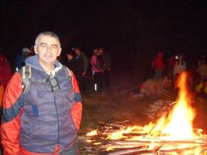 Zagrevanje kraj logorske vatre (foto V.Marković)